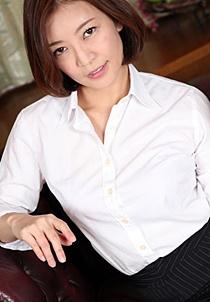 HEYZO-2069 美痴女~美乳熟女の淫靡な誘い~ - HITOMI